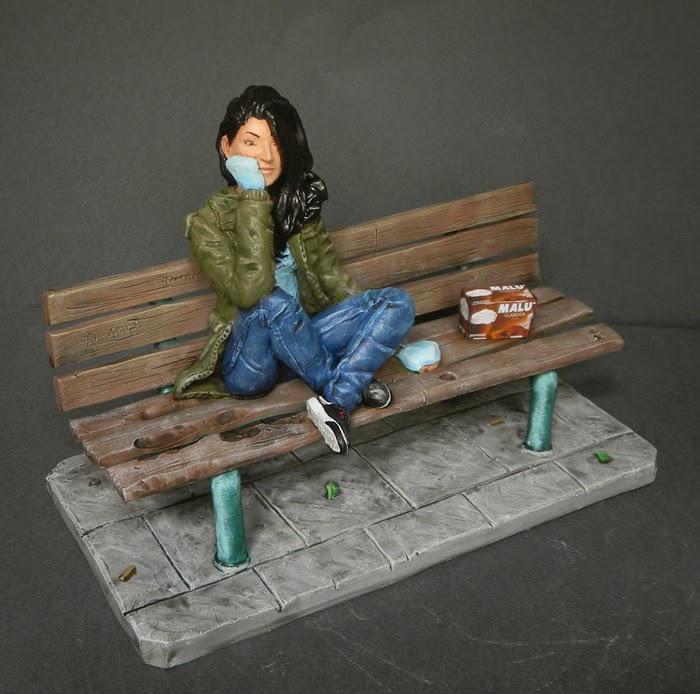 statuina ragazza panchina realistica idee regalo creazioni artigianali orme magiche