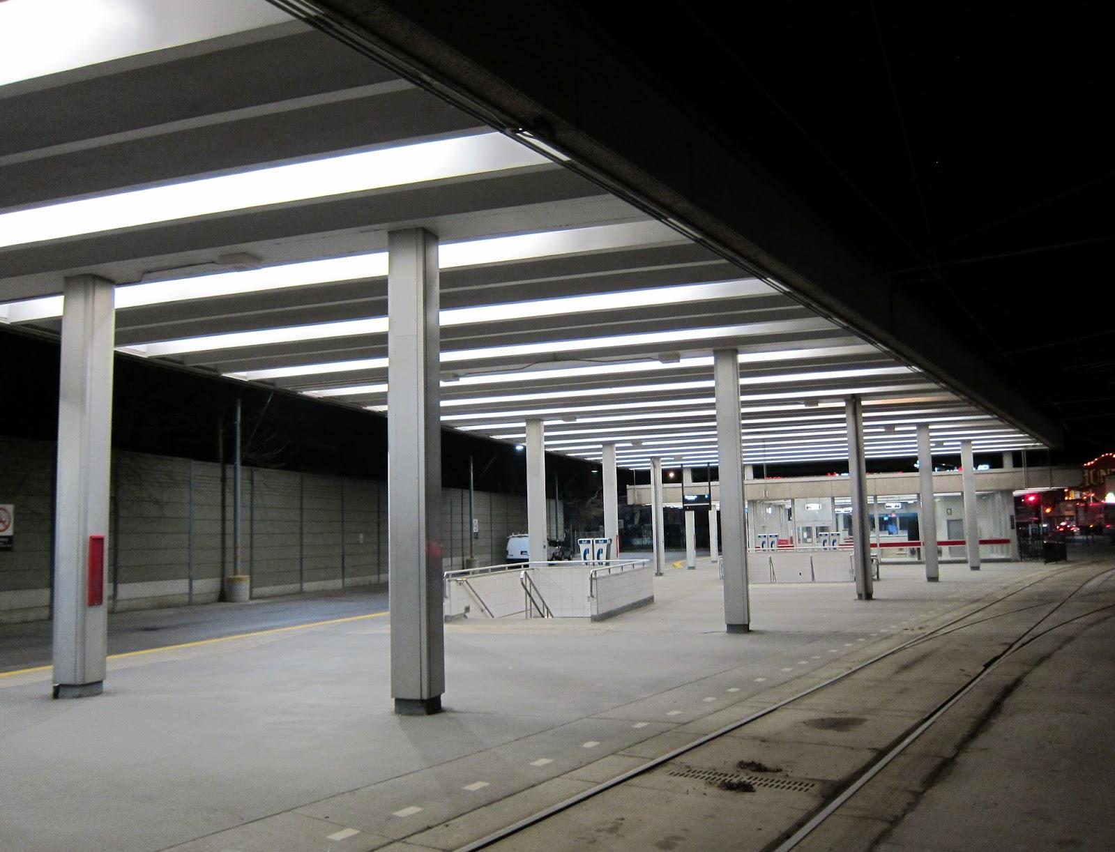TTC Bathurst station streetcar platform