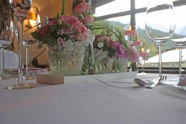 Hochzeitstafel für Zwei - Mr & Mrs - kleine Hochzeit zu Zweit in Garmisch-Partenkirchen, Bayern, im Hochzeitshotel Riessersee Hotel - Just a two of us - Wedding in Bavaria during your holidays
