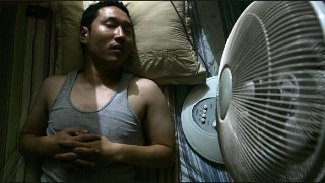 Tidur dengan Kipas Angin yang Menyala Ternyata Berbahaya