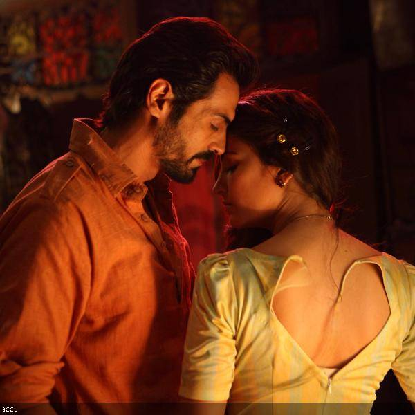 Kissing scenes of shruti hassan