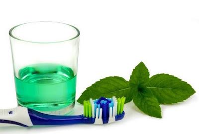 DIY bain de bouche à base de citron et de la propolis verte