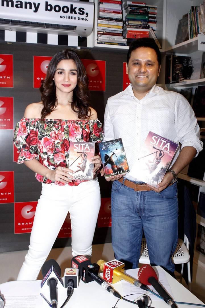 Beautiful and Cute Alia Bhatt launches a Book