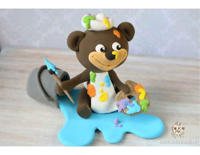 ursuleț pictor handmade
