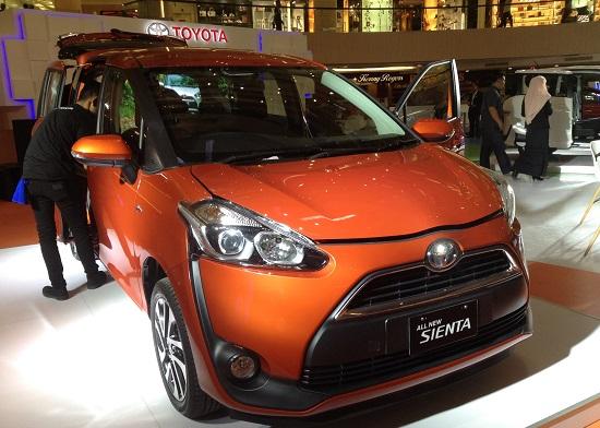 Harga Toyota Sienta Surabaya