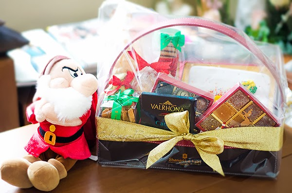 Santa's Little Helper Christmas Hamper from Shangri-la Hotel Jakarta