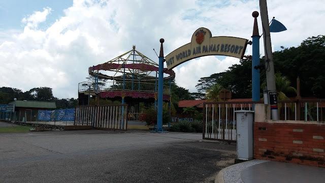 Wet World Air Panas Resort