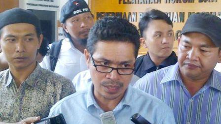 Faizal Assegaf Dicopot Presidium 212 Karena Bandingkan Habib Rizieq dengan Ahok,
