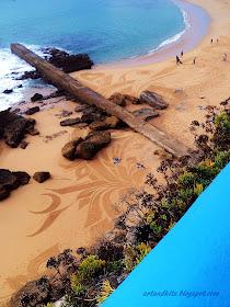 Ian Ross, artista californiano, passou pela Ericeira, em Outubro do ano passado... deixando na praia dos Pescadores... mais um dos seus invulgares trabalhos... / Ian Ross, Californian artist, passed by Ericeira in October last year... leaving on Fisherman's Beach ... another one of his unusual work...