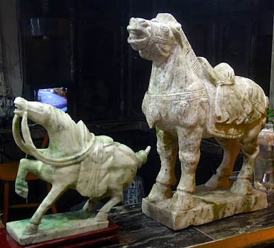 White nephrite horses for home decoration