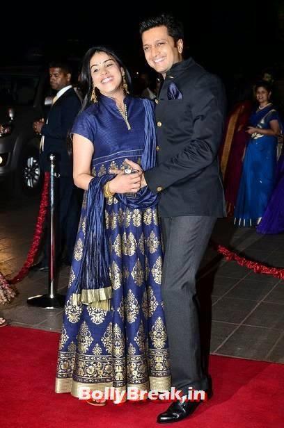 Geneli-Ritesh Deshmukha Pics, Pregnant Actress Genelia Latest Pics in Blue Dress