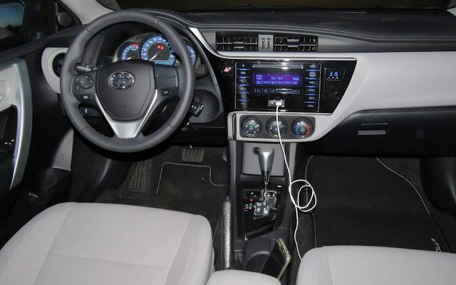 Toyota Corolla GLi 2018 x VW Jetta Comfortline - comparativo
