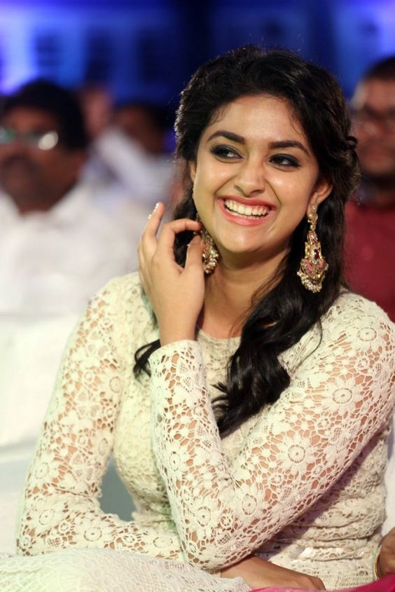 Actress KeerthySuresh Latest HD Images