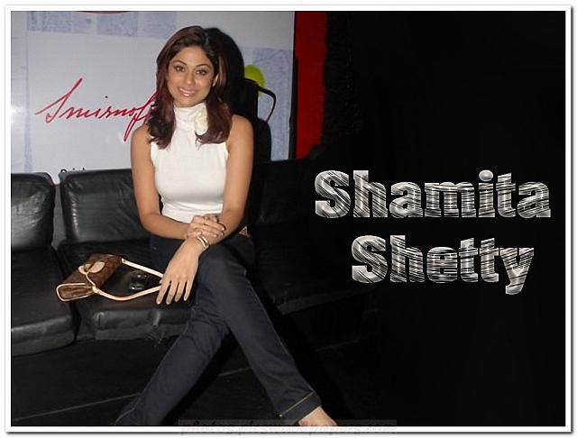 Shamita Shetty sizzling wallpapers
