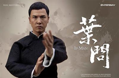 Biografi Donnie Yen Lengkap Bahasa Indonesia     Donnie YenDonnie Yen bernama lengkap Donnie Yen Ji Dan, ia dilahirkan pada tanggal 27 Juli 1963. Donnie Yen merupakan seorang aktor laga dari Hong Kong, Ahli bela diri, koreografer, Sutradara, Produser film dan Juara Turnamen Wushu. Ia sering bermain dengan aktor-aktor ternama dari asia seperti Jackie Chan, Jet Lee, serta Aktris Michele Yeoh. Donnie Yen banyak dikenal orang sebagai tokoh yang mempopulerkan seni beladiri wing Chun yang dikembangkan oleh Ip Man atau Ip Kai Man yang juga merupakan guru beladiri Bruce Lee. Donnie Yen sukses dikenal sukses berperan sebagai Ip Man seorang master beladiri Wing Chun di film Ip Man tahun 2008 yang kemudian sukses menembus jajaran Box Office. Dampak dari film tersebut mengakibatkan banyaknya orang yang ingin mendalami beladiri wing chun yang dikembangkan oleh Ip Man. Putra Ip Man yaitu Ip Chun bahkan berterima kasih kepada Donnie Yen yang telah memperkenalkan seni beladiri keluarganya dan membuat keluarganya dikenal orang. Donnie Yen merupakan salah satu aktor laga termahal di asia.  Donnie Yen dilahirkan di Taishan, Guangdong, Cina. Ibunya bernama Bow sim Mark yang juga seorang master seni bela diri wanita, kemudian ayahnya bernama Klyster