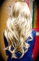 Sarı uzun dalgalı bayan saçı, lepiska saç