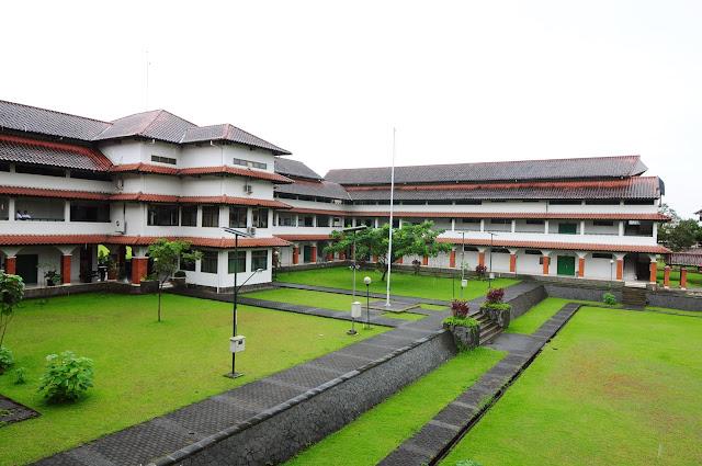 Sekolah Sukses di Islamic Boarding School SMA Dwiwarna