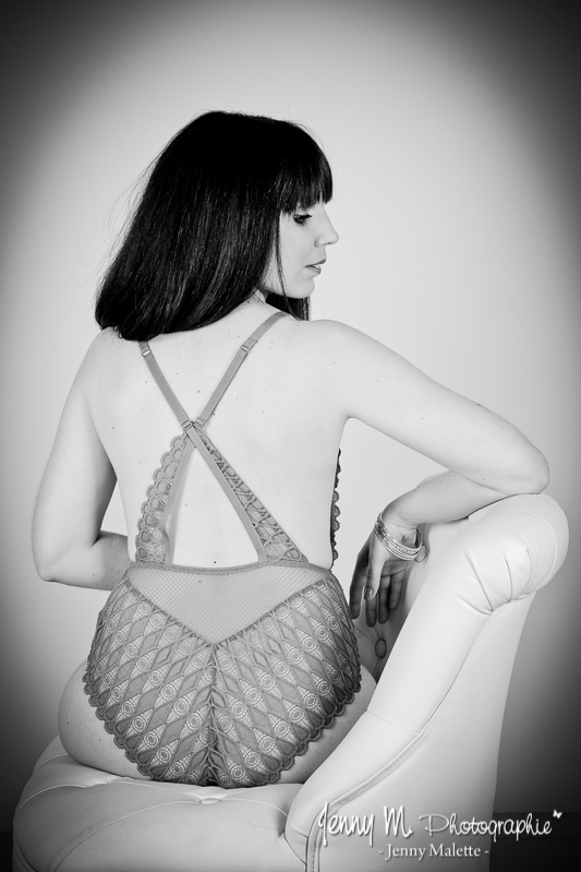 shooting lingerie book photos femme en studio