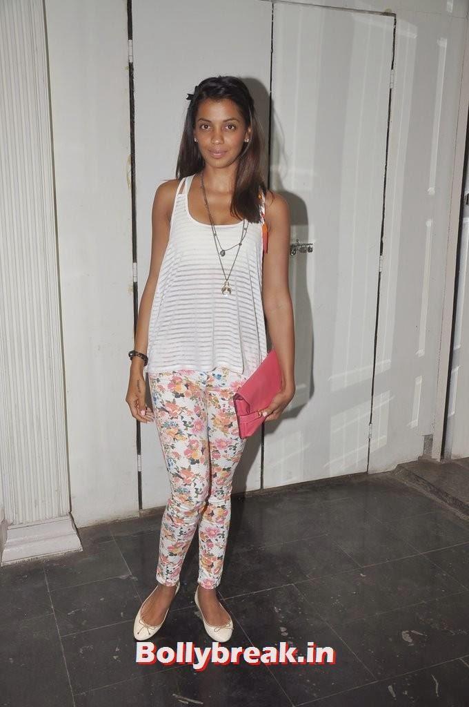 Mughda Godse, Gauahar Khan, Kushal Tandon, Sonal Chauhan & Karishma Tanna Snapped at Nitya Bajaj Fashion Show