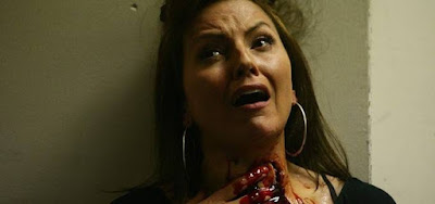 Davina McCall morre em cena de Dead Set: ela fez o papel que será de Sabrina Sato na Netflix