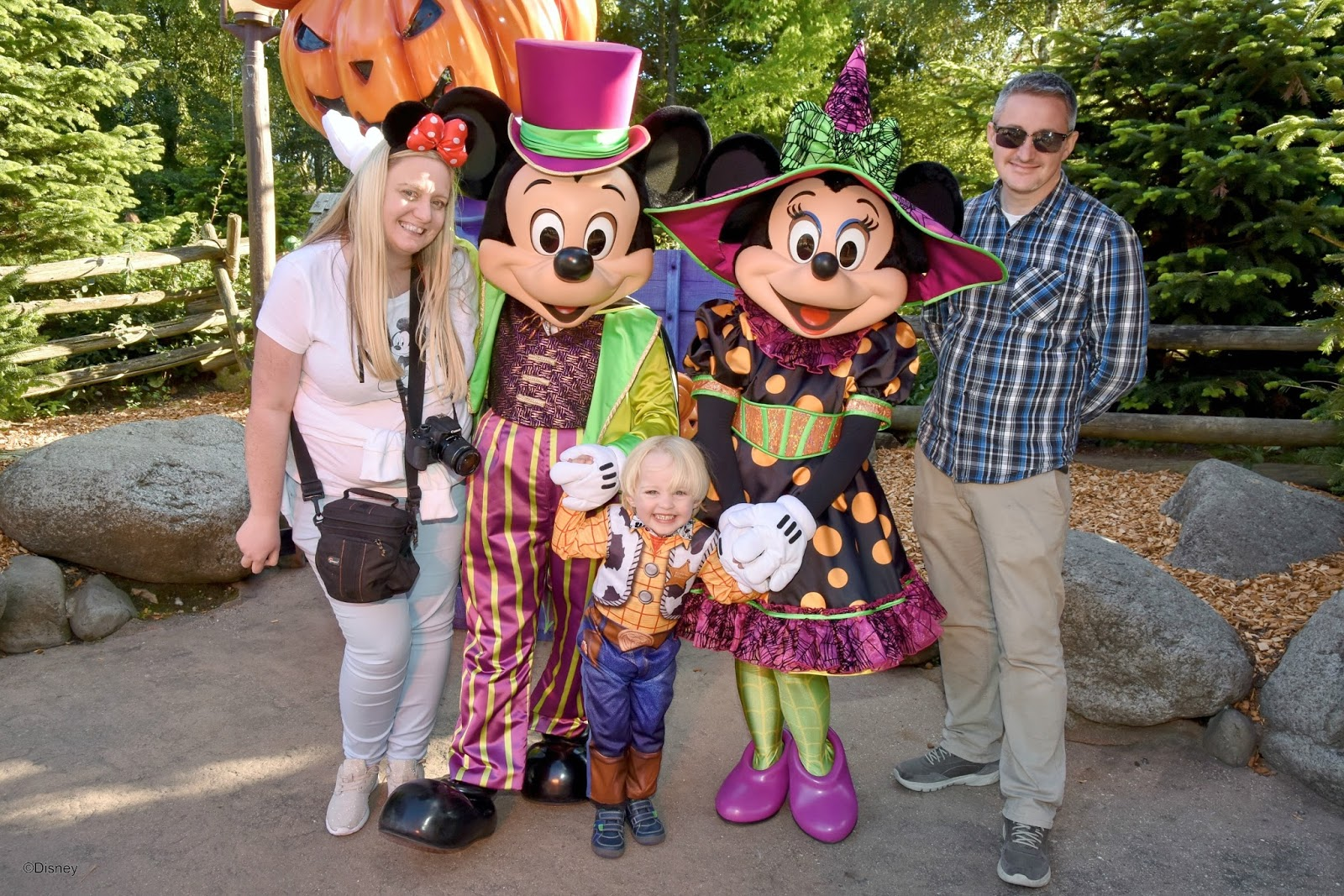 our trip to disneyland paris halloween 2016 sparkles and stretchmarks uk mummy lifestyle blog. Black Bedroom Furniture Sets. Home Design Ideas