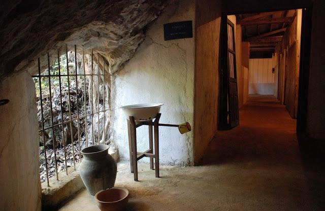 viengxay-cave-laos