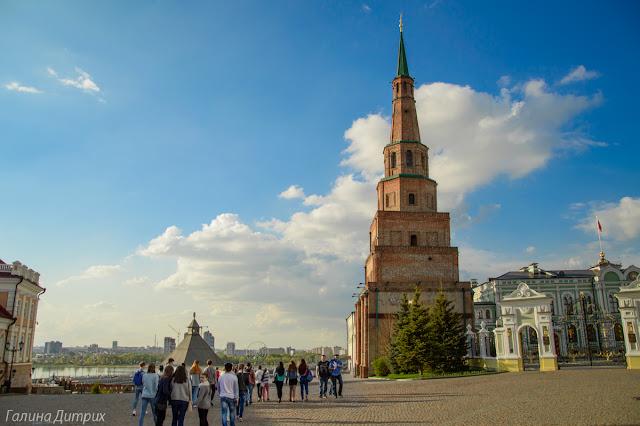 Падающая башня Казань