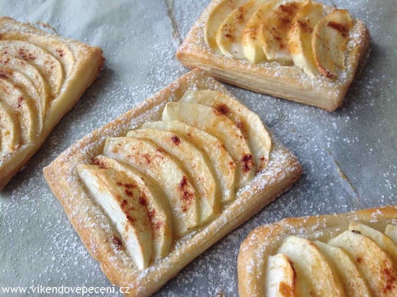 d0e7b4d491 Jablečné taštičky z listového těsta