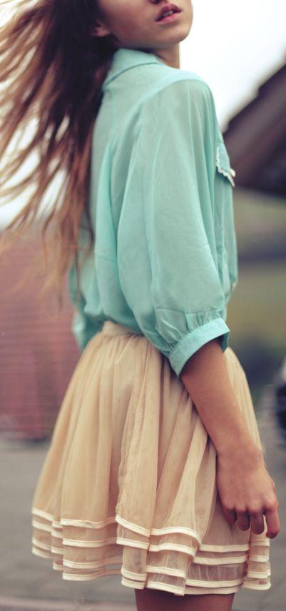 pudrová sukně