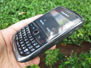 hape seken blackberry 9330 cdma murah