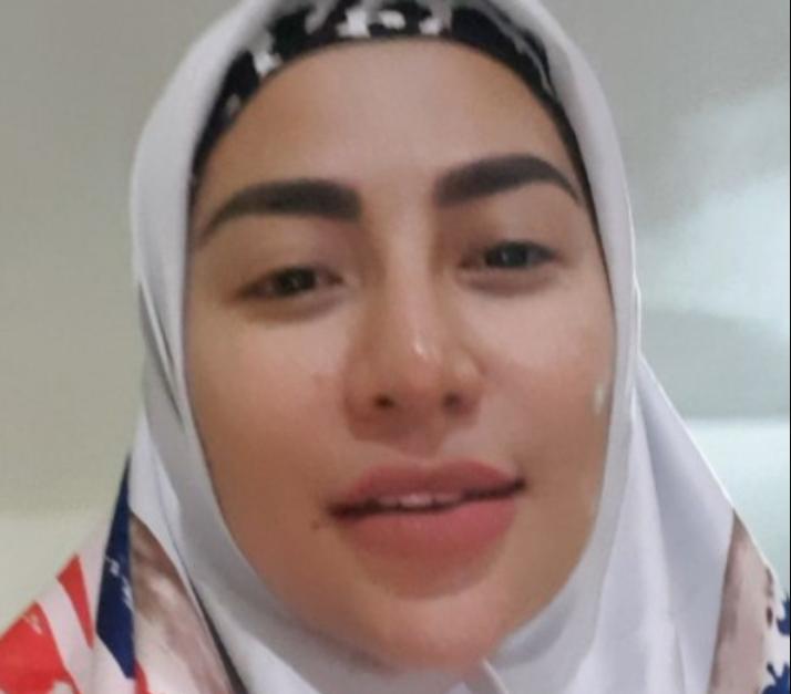 Usai Hijrah Cinta Penolope Ingin Laporkan Ustadz Somad ke MUI Karena Ini
