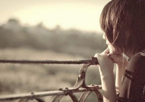 Kết quả hình ảnh cho Anh à, em không biết em có nhớ anh hay không? Nhưng từ khi anh đi em chỉ muốn im lặng. Em hay nghĩ về anh, nghĩ trong những trống rỗng, nhưng hoài nghi.