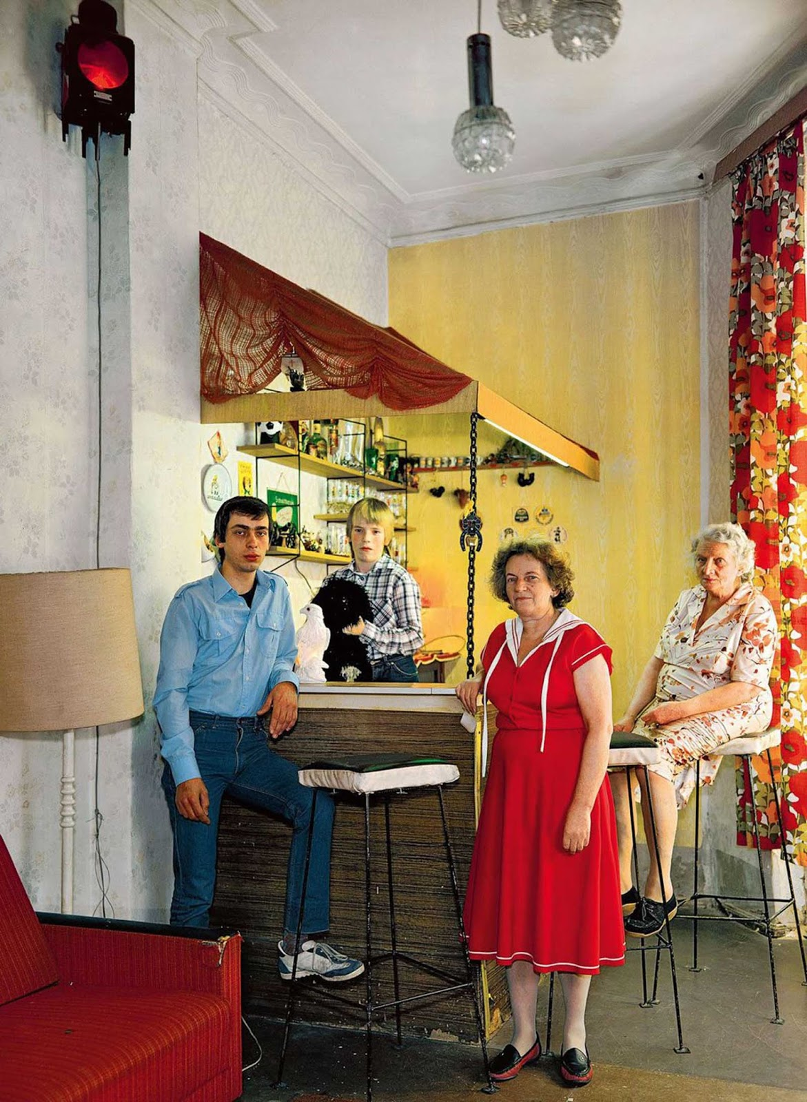 Ingeborg (front, cleaner), her son Lothar (left, carpenter), her grandson Guido and their grandmother.