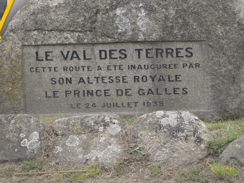 83b17ff14c So not 'Les Val De Terres' or any other combination!
