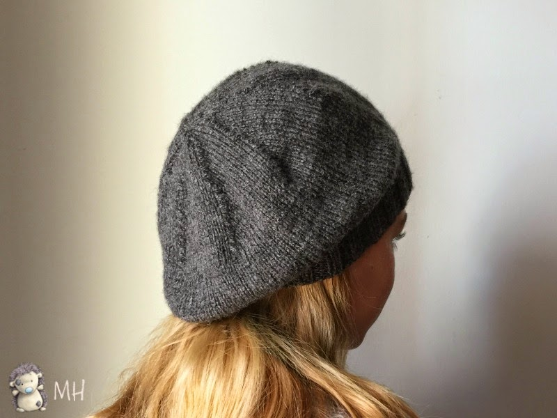 Knit hat with pattern