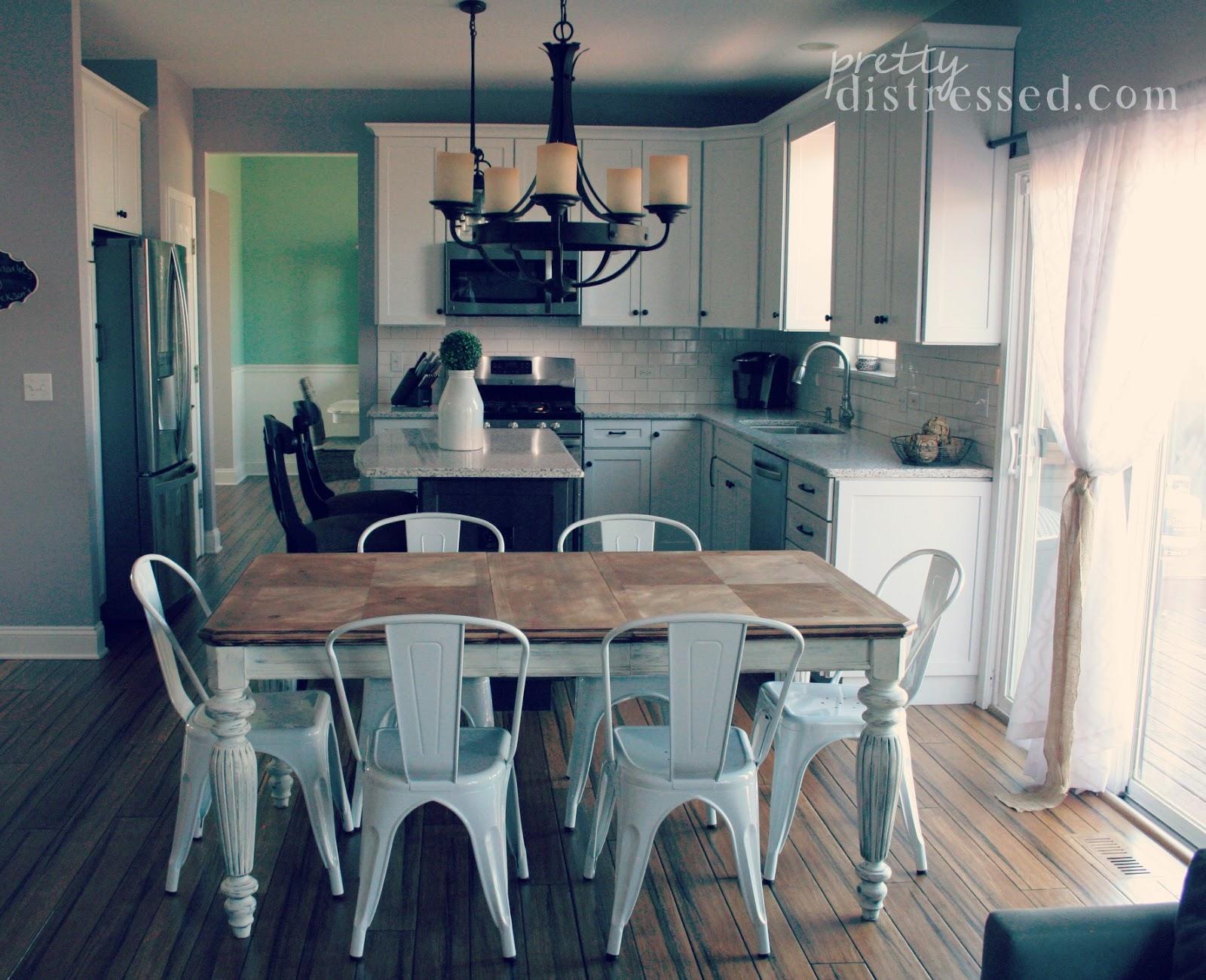 Table painted farmhouse table and chairs - Chalk Paint Farmhouse Table