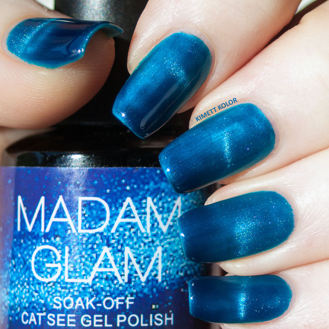 blue magnetic soak off gel polish swatch