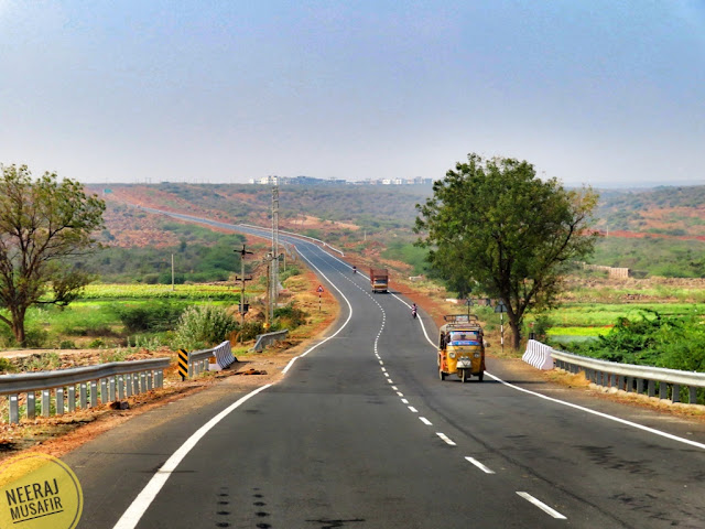 Road Journey to Lepakshi