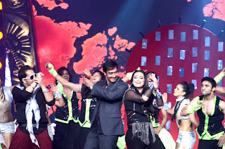 SRK, Sonakshi & Ajay Devgn at Chevrolet Star Global Indian Music Awards