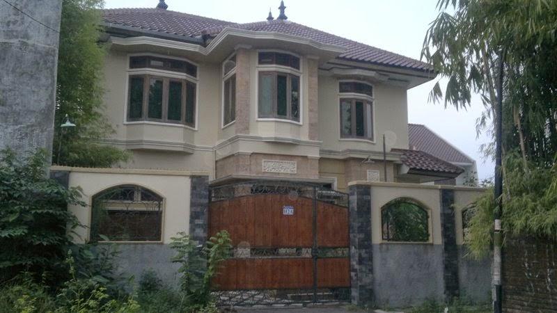 http://tanahperumahanjogja.blogspot.co.id/2014/06/rumah-dijual-jogja-siap-huni-mewah-di-pogung-baru.html