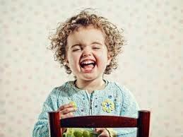foto bayi tertawa