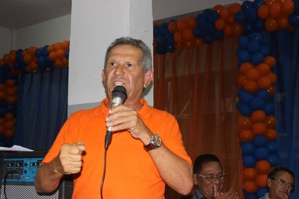 Beto ex-prefeito de Palmares desiste da candidatura