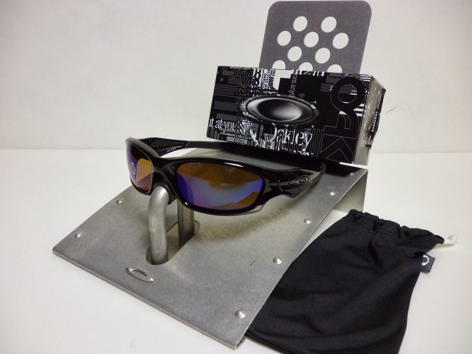 030fa8c535 Sam s Oakley Collection from SG Singapore  OAKLEY STRAIGHT JACKET ...