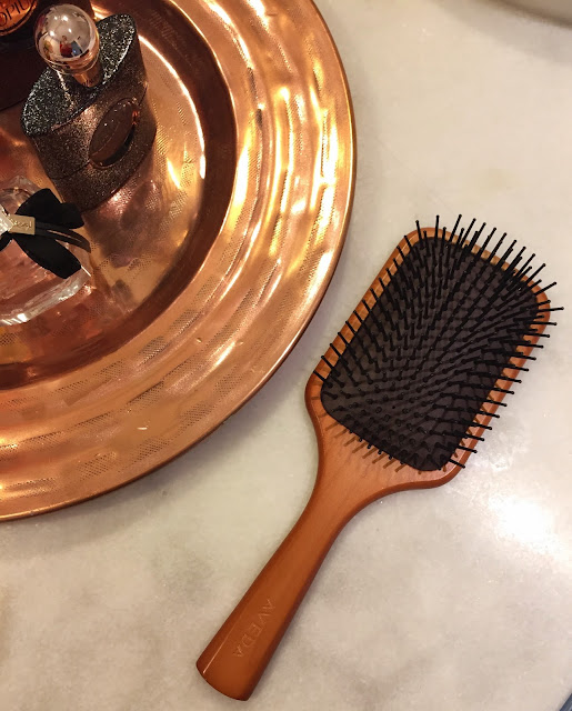 Fitness And Chicness-Wooden Paddle Brush Aveda-2