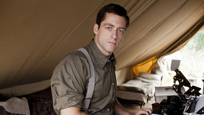 Richard Rankin en la serie The Crimsom Field