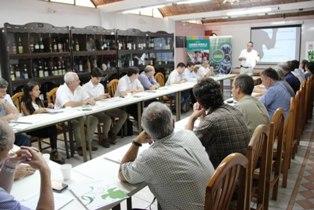 Según se informó en este 2017 la Corporación Vitivinícola Argentina (COVIAR) invertirá 6,5 millones de pesos para que los Centros de Desarrollo Vitícola sigan asistiendo a pequeños productores del país