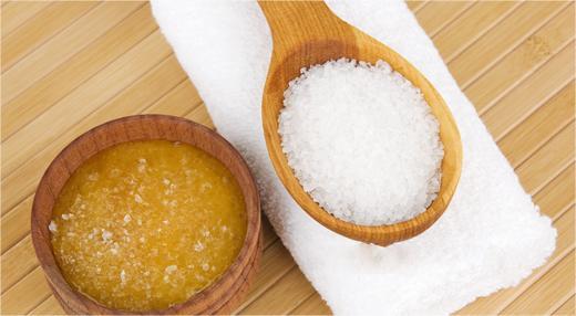 Thật bất ngờ khi muối có thể trị mụn rất hiệu quả