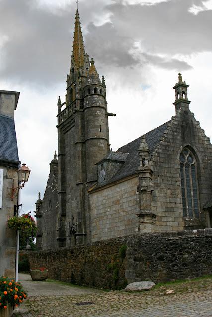 Enclos Paroissial de Lampaul Guimillau