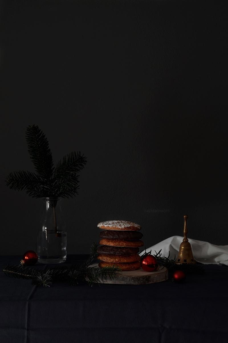 Lebkuchen Foodstyling Weihnachten dark Tischdeko weihnachtlich Tasteboykott