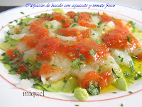 Carpaccio de bacalao con aguacate y tomate fresco